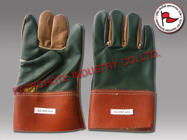 ถุงมือหนังเฟอร์ฯ ขอบ PVC สั้น LG-FFP-A1S